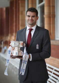 This Monday, James Anderson received a great testimony to his skills and efforts. He was announced 'England's cricketer of the year 2011-12' at a special event hosted by the ECB and Brit Insurance at Lords. Presently ranked number three in the ICC rankings for bowlers, James Anderson has had an exception cricketing year in the past 12 months. He took his 250th test wicket and is the mainstay of the English pace battery.