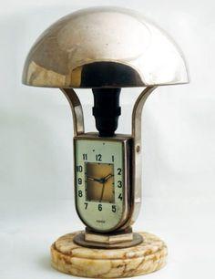 MOFEM  (Pendulette Chevet Art Deco), vers 1930 Pendulette ?lampe réveil' de chevet style « Jaeger Luxhora » de la célèbre maison allemande « Mofem ».  Mouvements : Calibre mécanique remontage manuel. - http://www.artdecoceramicglasslight.com