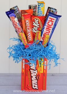 CANDY BOUQUET - Pretty simple gift, that everyone loves! Seriously who wouldn't love to receive a bouquet full of candy?! ;)