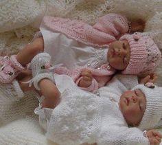 Twin babies are sooooo cute Real Looking Baby Dolls, Real Baby Dolls, Realistic Baby Dolls, Cute Baby Dolls, Newborn Baby Dolls, Cute Babies, Baby Kids, Twin Babies, Reborn Babies