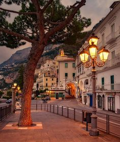 "📍 Amalfi , Italy 🇮🇹 💡Interesting facts : 🔸The 2004 movie ""A Good Woman"" with Helen Hunt and Scarlett Johansson was filmed in Amalfi. Places Around The World, The Places Youll Go, Places To Visit, Amalfi Italy, Amalfi Coast, Romantic Destinations, Travel Destinations, Italy Map, Italy Travel"