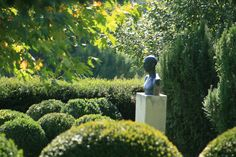 Simplycity and elegance in garden with plants and art. Designed in co-operation with the owner. Sculptures are made by the owner and her protegees. Constructed by Magnolia Art Kertépítő Kft. Garden Art, Garden Design, Magnolia, Sculptures, Gardens, Construction, Landscape, Elegant, Plants
