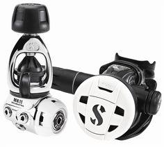 Scubapro MK11/C200 Scuba Diving Regulator - Sport Diver Magazine Editor's Pick,compact C200 System offers great breathing performance for avid recreational divers.
