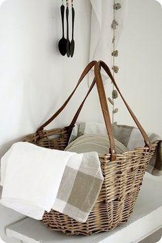 Organizer, Curtain Rods, Basket Weaving, Wire Basket, Wicker Baskets, Picnic Baskets, Rattan, Crates, Repurposed