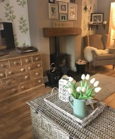 Great Snap Shots Fireplace Hearth carpet Tips So finished pottering and cleaning ect now off to buy a bedroom carpet for spare room Cottage Living Rooms, New Living Room, Interior Design Living Room, Living Room Designs, Cottage Lounge, Living Roon, Bedroom Carpet, Living Room Carpet, Chimney Decor
