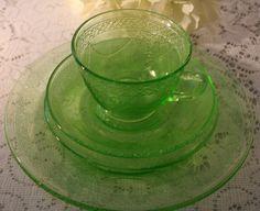 Federal Glass Georgian Lovebirds Depression Glass Single Setting, 1930's by UdellLane on Etsy
