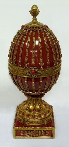 Fabergé? Perhaps.  It is not one of the Imperial Eggs or any of the several Imperial quality eggs I've seen, But it does look elegant.