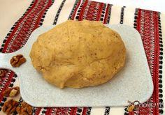Орехи грецкие- 80г, Сливочное масло- 200г, Мука- 300г, Сахарная пудра- 100г, Яйца (только желтки) - 2шт, Соль (щепотка)