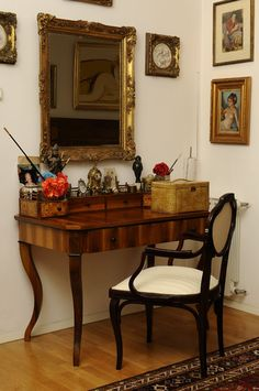 Acasa la Monica Tatoiu Entryway Tables, Vanity, Mirror, Furniture, Home Decor, Dressing Tables, Powder Room, Decoration Home, Room Decor