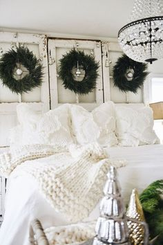 French Country Bedroom Decor and Ideas Winter Bedroom, Warm Bedroom, Christmas Bedroom, Cozy Christmas, Bedroom Decor, White Christmas, Country Christmas, Dream Bedroom, Simple Christmas