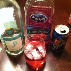 Moscato,cranberry juice, and sprite. Instead of ice, use frozen grapes! Keeps it cold without diluting it. Liquor Drinks, Juice Drinks, Cocktail Drinks, Yummy Drinks, Alcoholic Drinks, Cocktails, Spritzer Drink, Wine Spritzer Recipe, Christmas Drinks