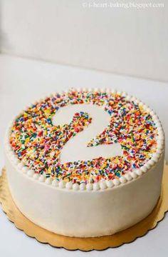 i heart baking!: rainbow sprinkle birthday cake with beaded .- i heart baking!: rainbow sprinkle birthday cake with beaded border i heart baking!: rainbow sprinkle birthday cake with beaded border - Food Cakes, Cupcake Cakes, Easy Cake Recipes, Dessert Recipes, Dinner Recipes, Dinner Ideas, Birthday Desserts, Cake Birthday, Birthday Ideas
