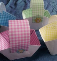 How to Make a Paper Easter Basket This simple basket can be made by Brisbane Kids of all ages from materials you probably already have at home. It it a won Paper Basket Diy, Paper Basket Weaving, Basket Crafts, Gift Baskets, Easter Baskets To Make, Easter Crafts For Kids, Diy For Kids, Easter Ideas, Craft Stick Crafts