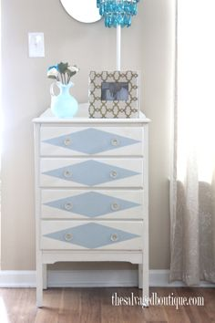 """The Salvaged Boutique offers a list of """"dont's"""" when painting furniture with latex paint. Follow these guidelines for a piece of painted furniture that will last many years."""