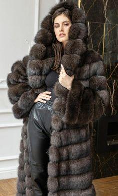 Sable Fur Coat, Fox Fur Coat, Fur Coats, Ice Queen, Fur Fashion, Women Wear, Furs, Feathers, How To Wear