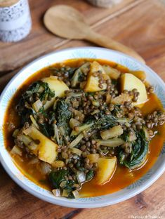 Winter soup with lentils and chard Bbc Good Food Recipes, Healthy Dinner Recipes, Cooking Recipes, Batch Cooking, Healthy Food, Chard Recipes, Vegetable Soup Recipes, Vegetarian Stuffed Peppers, Quesadilla Recipes