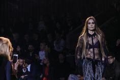@Lightaholic #pfw2016 #fashiontrends #fashionweeks #fashion #baneasashoppingtrends #baneasashoppingcity