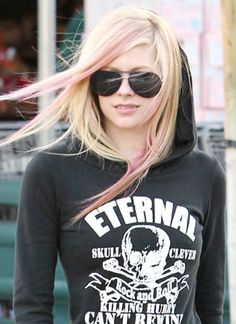 Pink Haired Princess Avril Lavigne rocking the look!