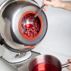 Denne drageringsmaskine til Kitchen Aids-køkkenmaskiner er til belægning af nødder, trøffel chokolade etc. Drager dine chokolader nemt. De perfekte udstyr til dessertkokken eller konditoren.