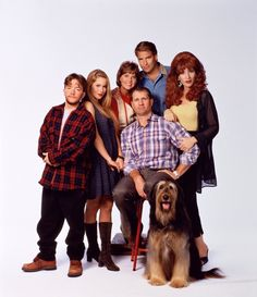 Matrimonio con hijos - Married with children Kid Movies, Movie Tv, Best Tv Shows, Favorite Tv Shows, Christina Applegate, Married With Children, Kids Poster, Old Shows, Old Tv