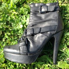 GUESS Booties! 👠👢❤️ These Incredible GUESS Booties need a new home! Size 5 1/2, fits perfectly! The only time I wore them, they were very very comfy! Minor scuffs on the heels (see picture) not noticeable at all. Guess Shoes