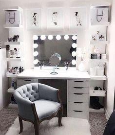 Large DIY Makeup Room Ideas, Organizer, Storage and Decoration ( Room Idea) - Makeup Room Ideas - - Dekoration Ideen - Beauty Room Sala Glam, Vanity Room, Mirror Vanity, Vanity Set Up, Diy Mirror, Vanity Chairs, Wall Mirror, Vanity In Closet, White Vanity Desk