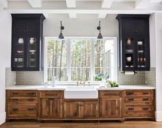 6 Eager Clever Tips: Vintage Kitchen Remodel Cutting Boards apartment kitchen remodel appliances.Kitchen Remodel Plans Farmhouse Style kitchen remodel tips fixer upper.Small Kitchen Remodel Pass Through. Beautiful Kitchen Designs, Beautiful Kitchens, Cool Kitchens, Elegant Kitchens, New Kitchen Cabinets, Kitchen Flooring, Upper Cabinets, Kitchen Wood, Wood Cabinets