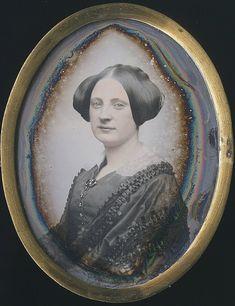 1/6 Plate Daguerreotype oval of an elegant woman