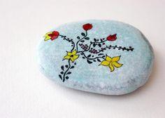 Painted rock / stone - joyeriacrafts