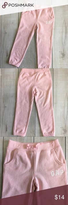 NEW LISTING - Gap Joggers Sweatpants Size 4. Gap joggers sweatpants. Front pockets. 100% cotton.   🎀Posh Ambassador 📫Fast Shipping 🚭Smoke free home/Fragrance free laundry products 🤑Offers welcome/Bundle offer discounts GAP Bottoms Sweatpants & Joggers