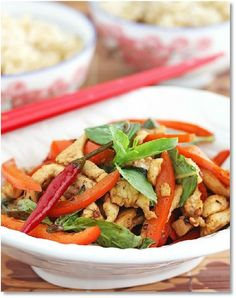Low FODMAP Indo-Chinese stir-fried chicken - gluten free http://www.ibssano.com/low_fodmap_recipes_indo_chinese_stir_fried_chicken.html