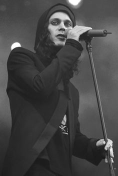Ville Valo...love the guyliner and beanie....yum....