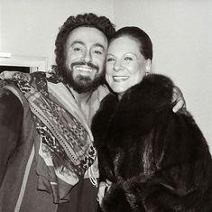 Luciano Pavarotti and Renata Tebaldi.  Beautiful photo, one of my favorites.