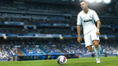 Fifa, Ronaldo Skills, Manchester, Pro Evolution Soccer, Video Trailer, New London, Looking For People, European Football, World Of Warcraft