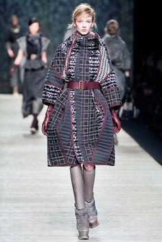 Kenzo Fall 2009 Ready-to-Wear Fashion Show - Inna Pilipenko