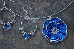 parure fleur capsule café nespresso bleu vif,bleu collier ras de cou et boucles d'oreille,créoles : Parure par cococreative