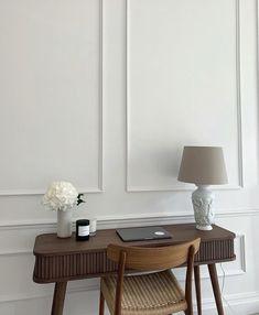 Decoration Inspiration, Interior Inspiration, Room Inspiration, Room Interior, Home Interior Design, Appartement Design, Aesthetic Bedroom, Home Office Decor, Minimalist Home