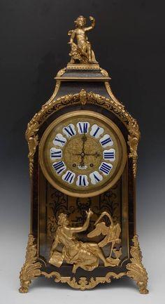 Relogio Frances Louis XV do sec.19th, com aplicacoes em bronze, 126cm de altura, 22,800 USD / 20,020 EUROS / 81,320 REAIS / 147,570 CHINESE YUAN soulcariocantiques.tictail.com