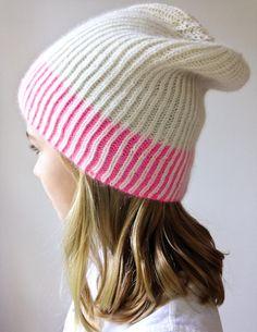 Bonnet tricoté en côtes perlées bicolores - tutoriel