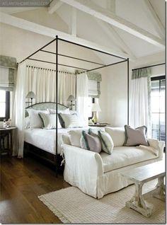 Chambre à coucher - Bedroom - Bleu pâle - Light blue - Blanc - White