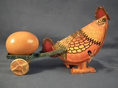 VINTAGE Tin Toy Wind Up Chicken & Egg in a Wagon WORKS!! Good Condition