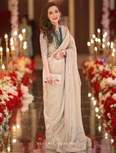 saree styles for farewell - saree styles ; saree styles for farewell ; saree styles for farewell teenagers ; saree styles for farewell modern ; saree styles for farewell classy Indian Bridal Outfits, Indian Designer Outfits, Indian Dresses, Pakistani Wedding Dresses, Pakistani Outfits, Bridal Dresses, Pakistani Bridal, Stylish Sarees, Stylish Dresses
