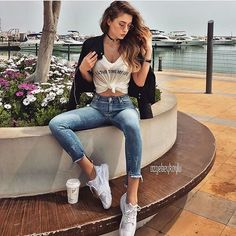"71 Likes, 2 Comments - style inspiration (@snap_street_style) on Instagram: ""#streetstyle #casualoutfit #ootd #saturday #mornigcoffee #rippedjeans #highwaisted #jeans…"""