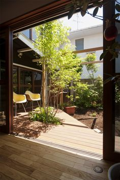 Small contemporary deck
