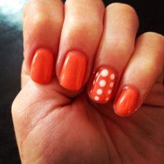 Nail art; orange and white, spotty