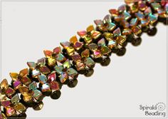 Khéops beads | seed beads size 15 or toho seed beads size 15 (they look like dragon scale beads that I have under beads)