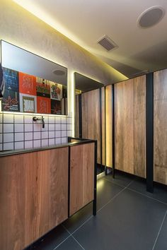 Roister - Picture gallery #restaurant #wc #bathroom #concrete
