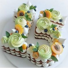 Mesmerizing Number Cakes that are Real Show-Stoppers Pretty Cakes, Cute Cakes, Beautiful Cakes, Amazing Cakes, Bolo Floral, Floral Cake, Number Birthday Cakes, Number Cakes, Fruit Birthday