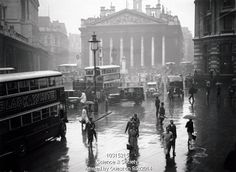 Wet weather at Bank, London, 21 Sep 1933.