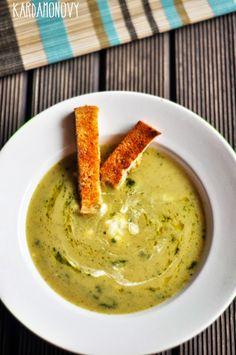 Zupa krem z cukinii z bazylią i mascarpone